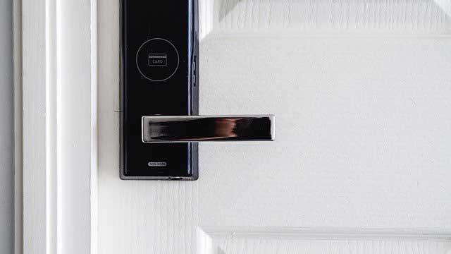 Smart Door Locks: What To Get In 2020 1