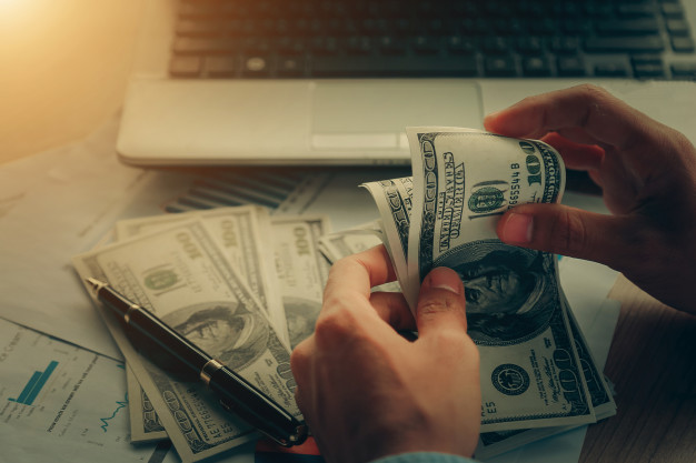 What Is Liquidity Risk, and How Can I Protect My Bank from It?